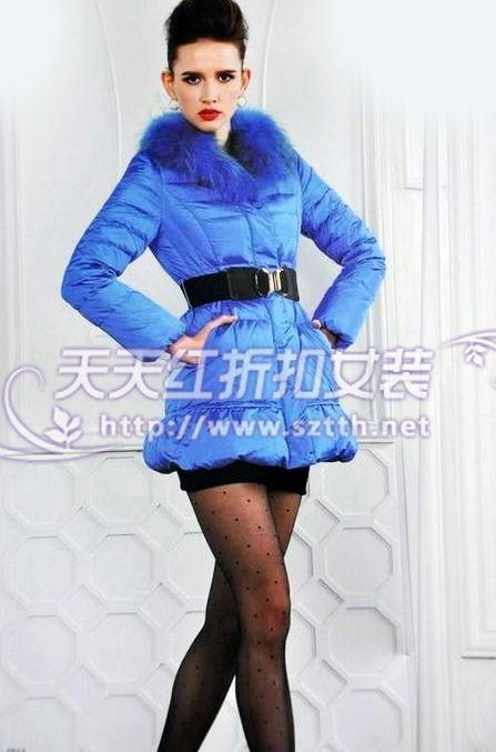 品牌折扣女装尾货批发低价供应