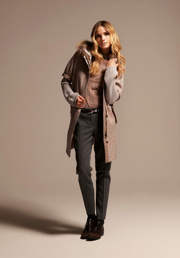 今冬新款全羊毛大衣超低价倾销
