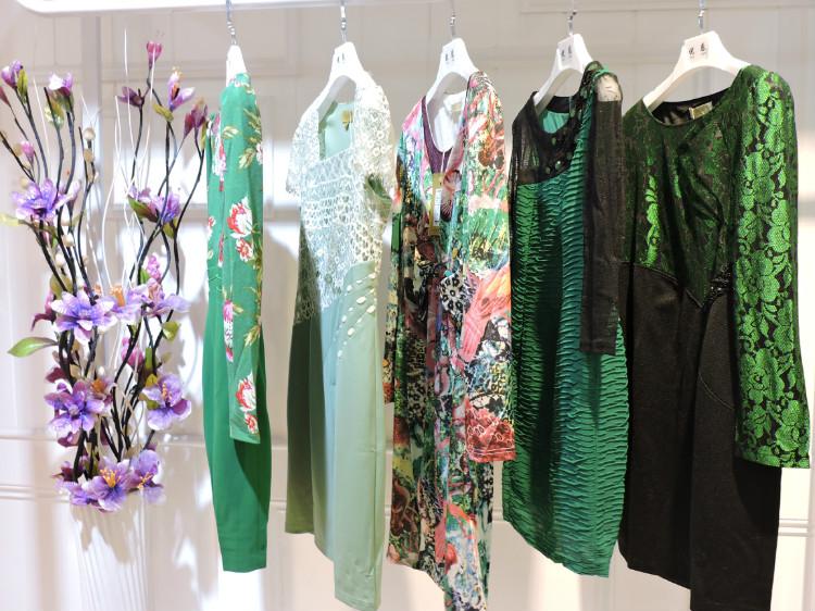 广州知名品牌姬色秋装连衣裙品牌女装折扣批发