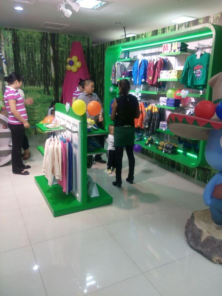 香港利丰集团旗下品牌童装【莫多多】,选择加盟它准没错