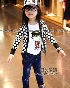 韩版儿童纯棉T恤圆领绣花卫衣批发