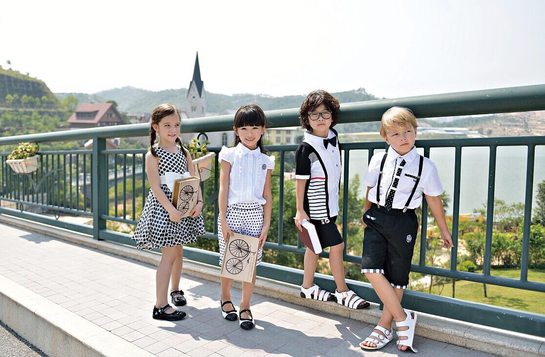 14年度最受追捧的服饰—时尚黑白服装【M&Q大眼蛙】时尚童装诚邀加盟