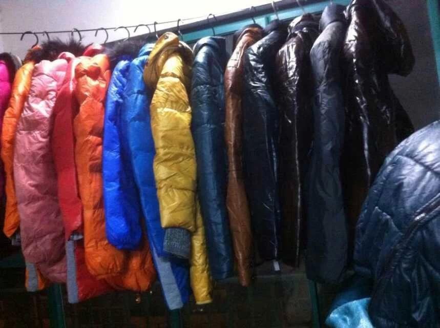 2014新款尾货棉服打底衫牛仔裤批发