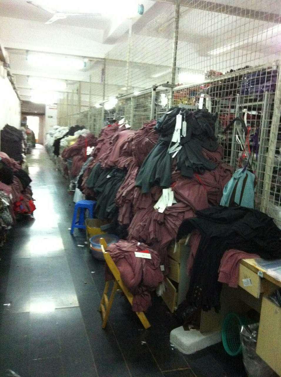 秋冬时尚女装库存清仓所有款式超低价批发