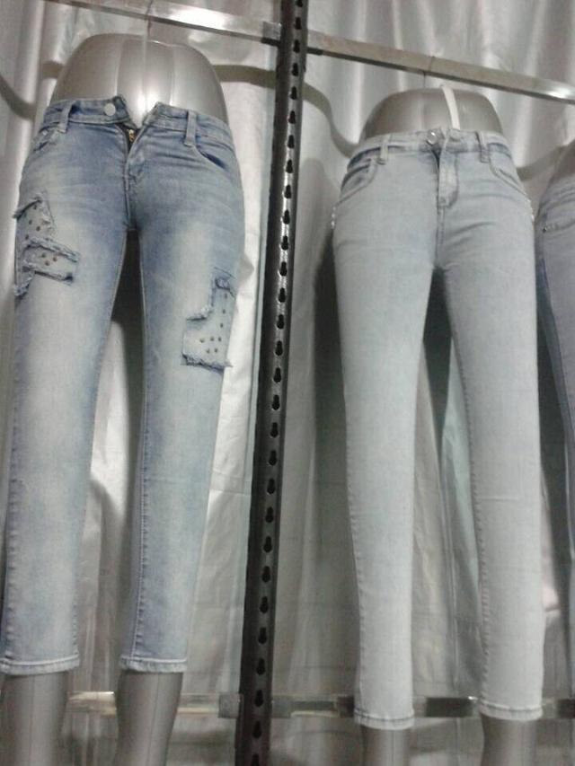 广州杂款便宜女式秋冬牛仔裤裤尾货低价批发