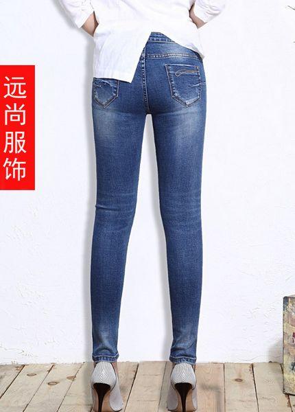 全国最低价的深色的小脚牛仔裤一手货源便宜批发