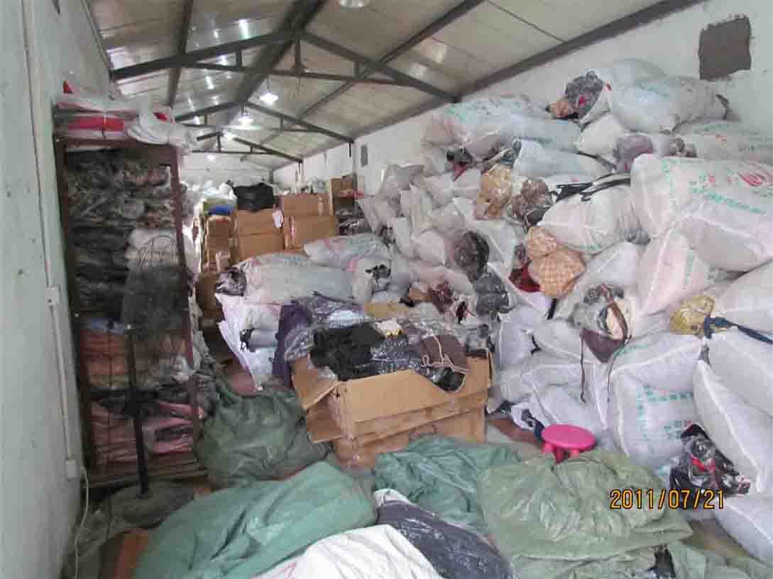 大量冬装女羊毛大衣厂家一手货源直销