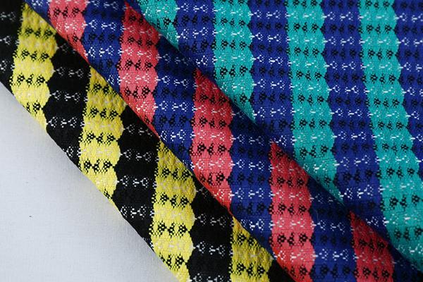 柯桥兴丰布衣纺最新推出F04473经典时尚款面料