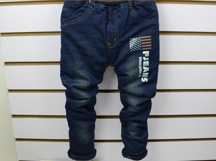 十堰新款冬装棉衣童装加绒牛仔裤低价毛衣尾货棉衣批发