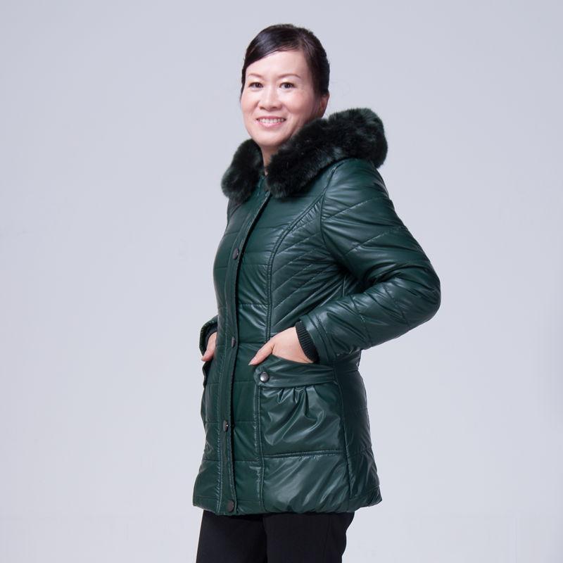 阜阳中老年冬装棉衣低价韩版棉服加绒牛仔裤便宜批发