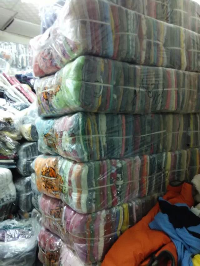 长期供应各类外贸换季服装棉服羽绒服北京便宜尾货服装
