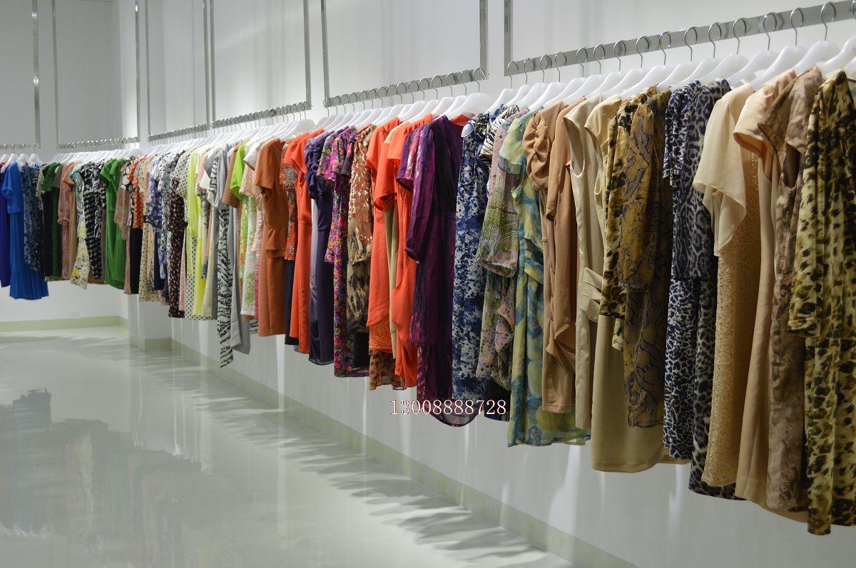 紫馨源服饰折扣品牌女装尾货批发