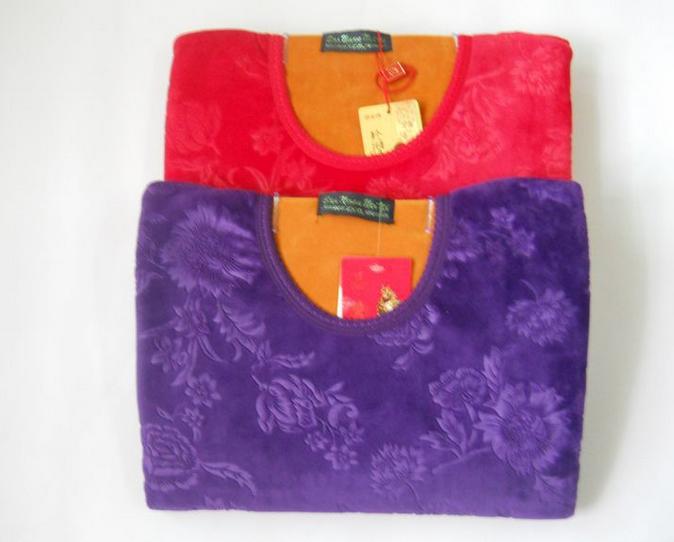 今年最新款的加绒加厚保暖内衣厂家低价大量批发