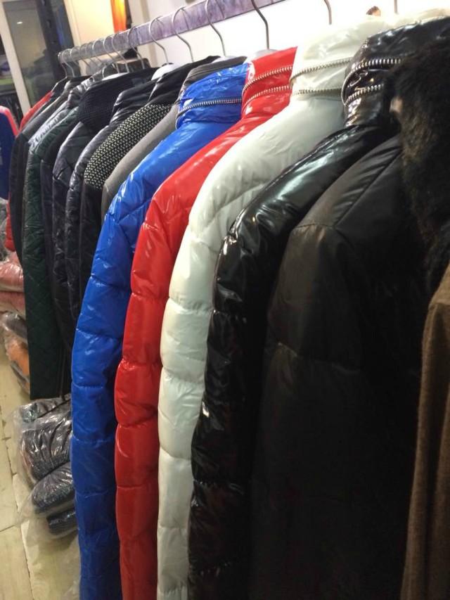 大量秋冬装棉服毛衣外套批发处理