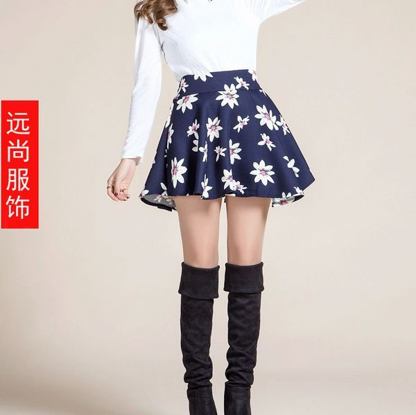 春季最赚钱的韩版T恤款式时尚女装打底裤批发