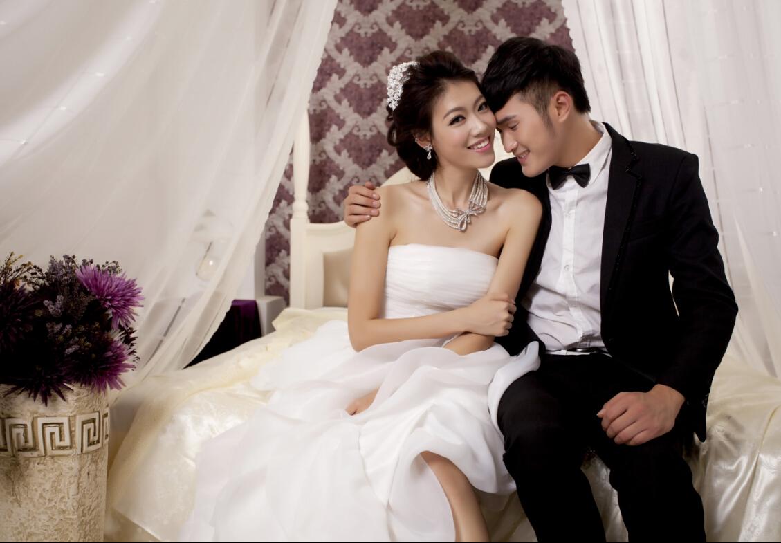 济南唯爱时尚婚纱为您提供优质的婚纱租赁服务