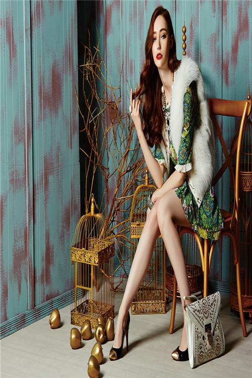 2015迪薇娜品牌折扣女装火热招商中