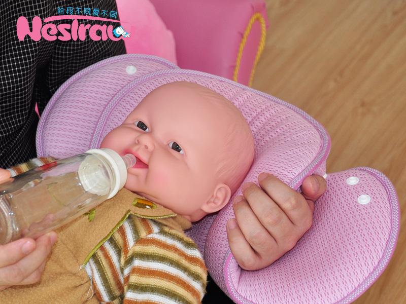 婴儿3D卡通定型枕头批发供应