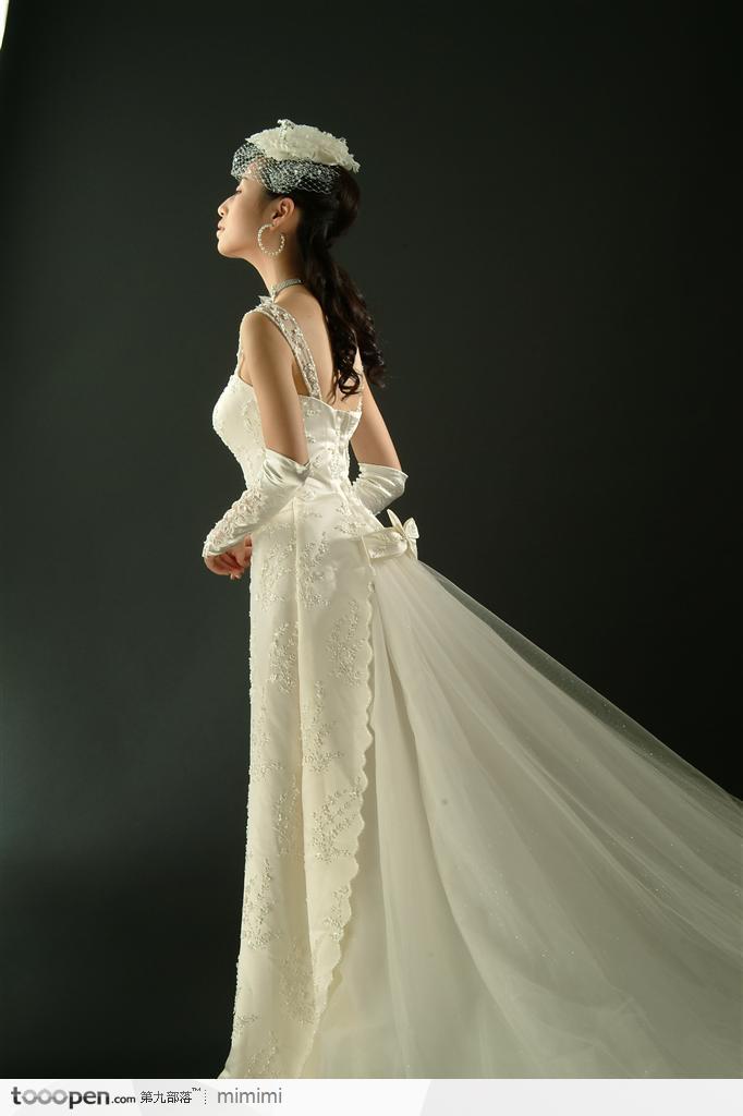 一流的婚纱租赁就在唯爱时尚婚纱公司