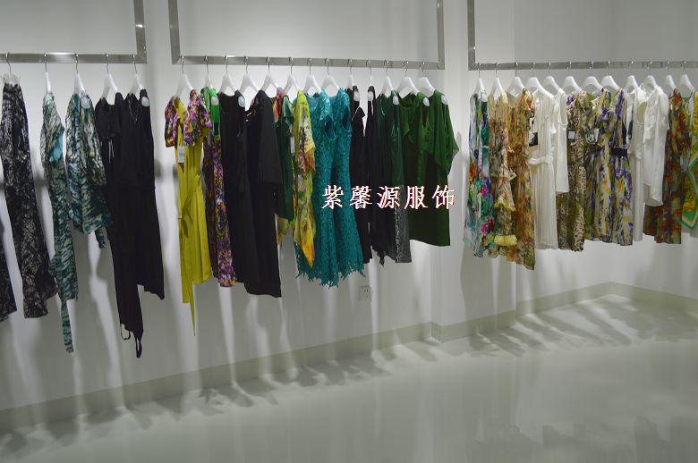 深圳品牌高端折扣女装尾货批发
