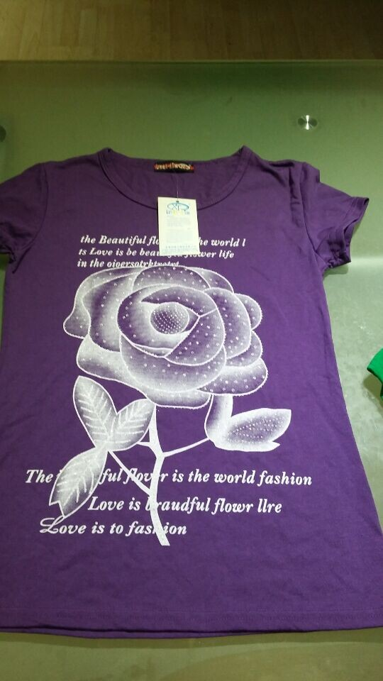 夏装时尚大方女装短袖T恤厂家清货