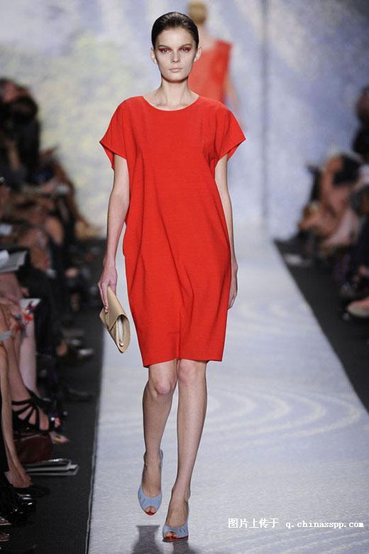 时尚品牌女装厂家清货品牌女装尾货批发