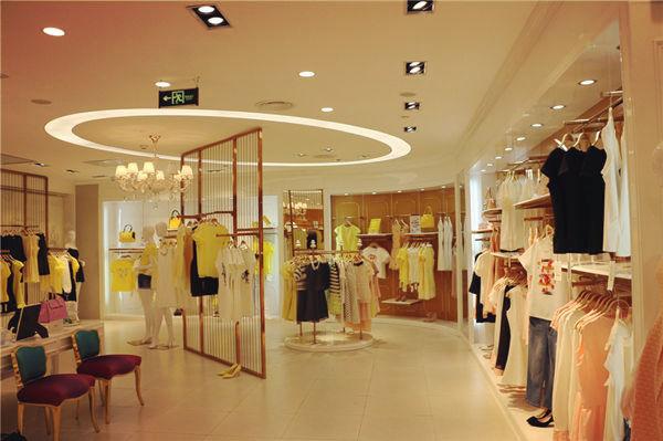 Saslax终端店面形象-英伦范的精致时装店诚邀加盟