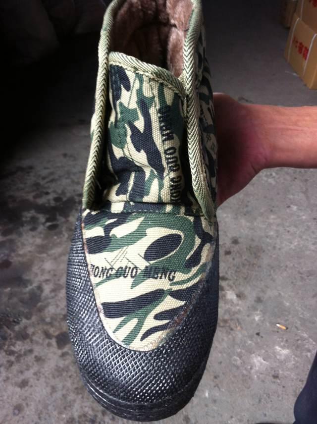 新颖潮流的中国梦加革单鞋批发