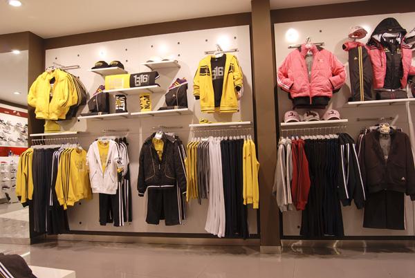 男女老少时尚夏装服装厂家低价批发