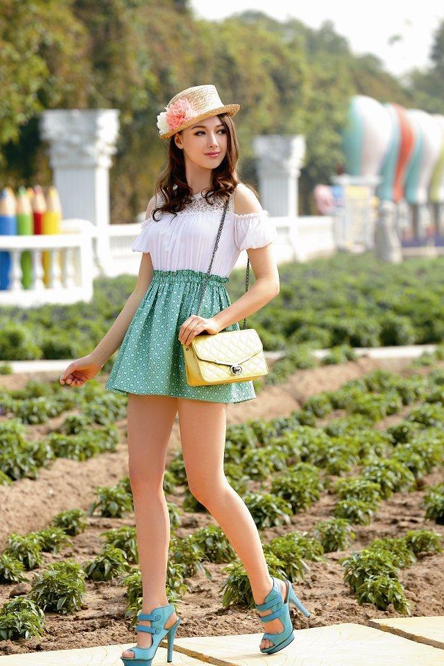 金蝶妮女装加盟时尚潮流 ,新颖独特,是服装界的一朵奇葩,诚邀加盟