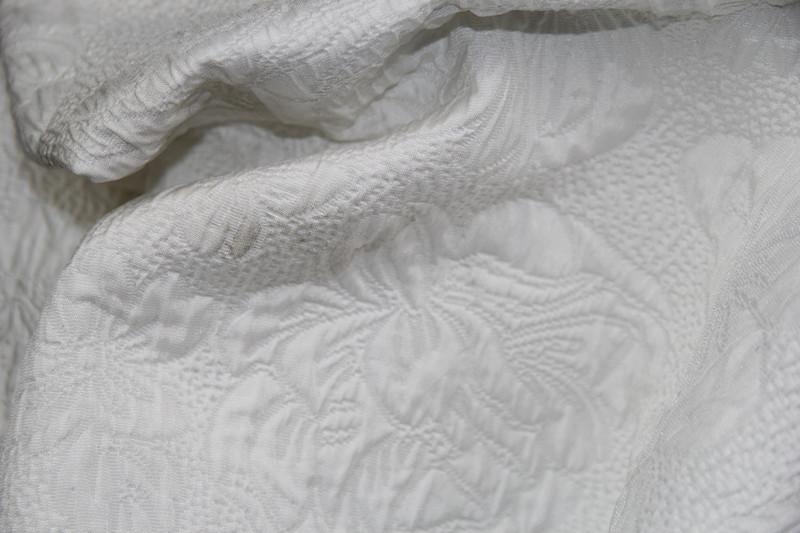 江苏色织提花女装服饰面料供应