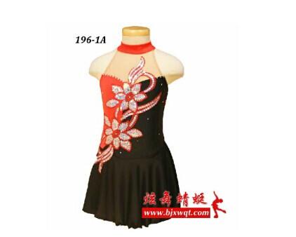 北京炫舞蜻蜓专业提供最优质的花样滑冰服批发
