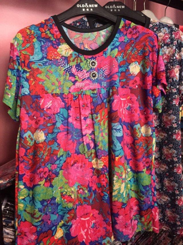 厂家直销新款短袖中老年女妈妈装印花女装批发