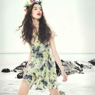 YJR依锦瑞时尚女装,打造美丽、自信、时尚的女性!