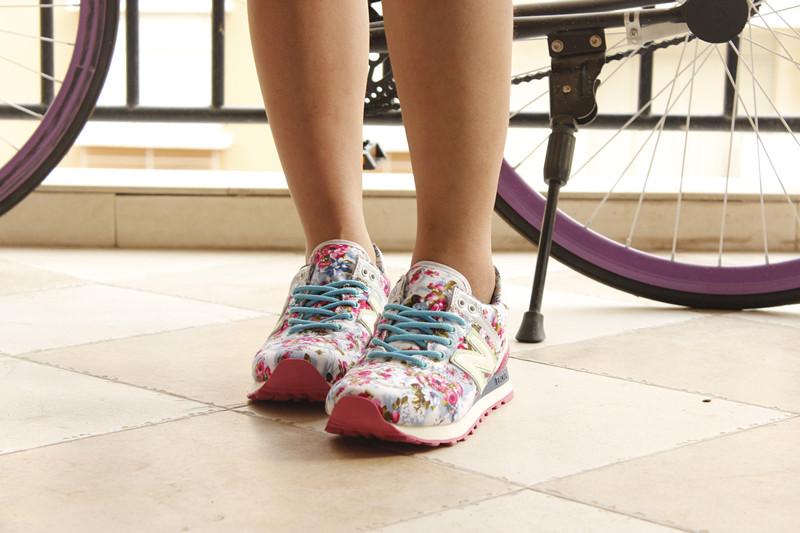 荣成鞋业专业提供最好的新百伦运动鞋