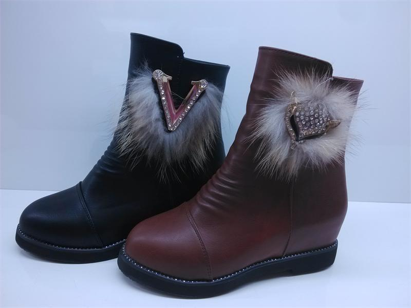侯马玉明鞋店女士加绒内增高短靴批发