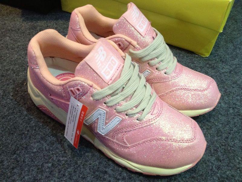 阿迪运动鞋供货批发