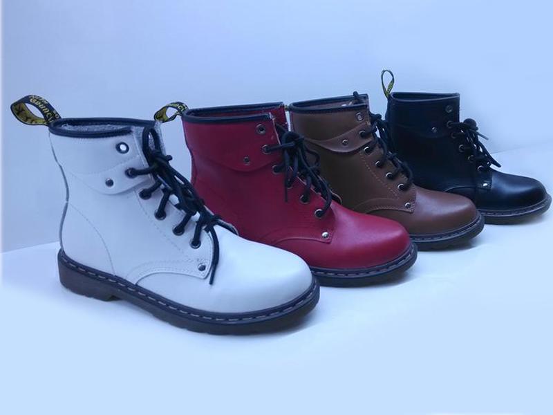 雅曼新款秋冬靴短筒真皮平底马丁靴批发