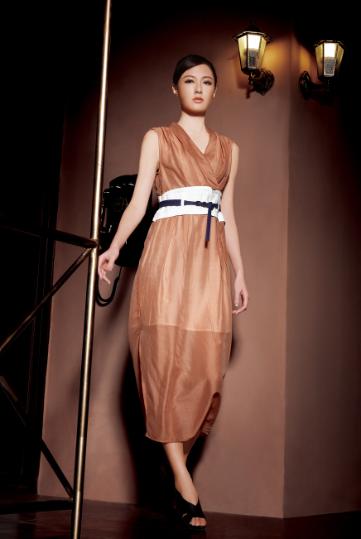 新加坡原创设计师品牌女装纽方2015市场全面开放招商