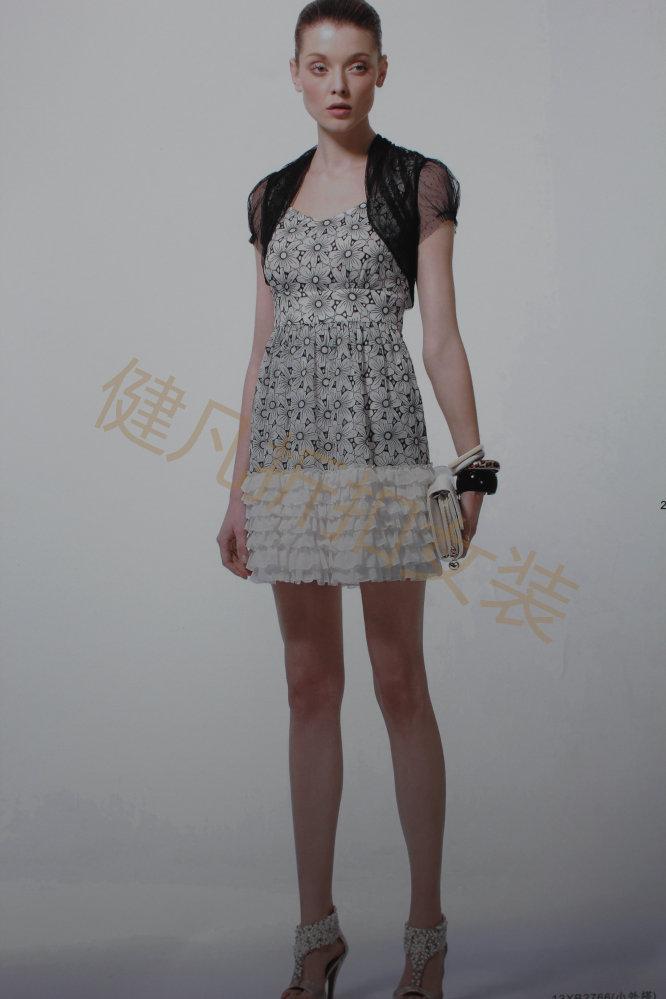 棉麻系列女装连衣裙批发