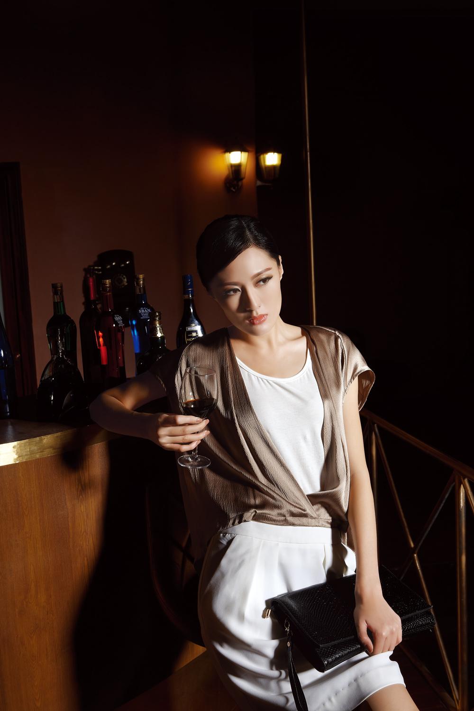 零加盟费,首批100%调换支持,新加坡纽方女装诚邀加盟