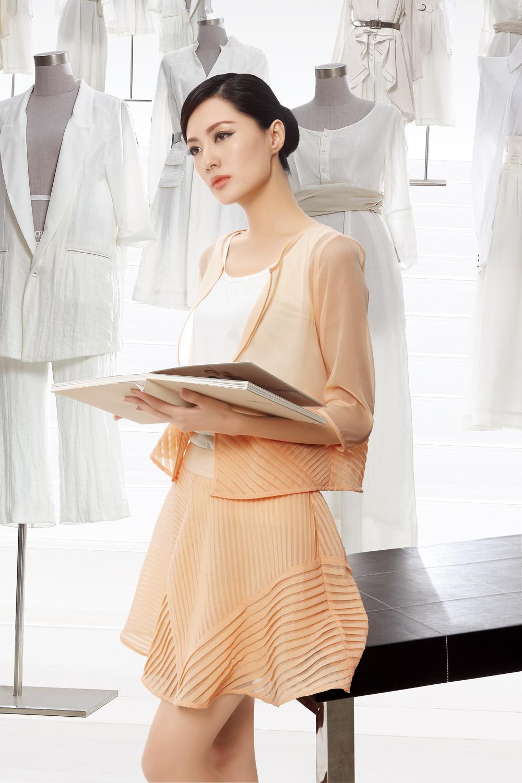自主研发设计生产,纽方NEWFOUND女装势不可挡,期待您的加入