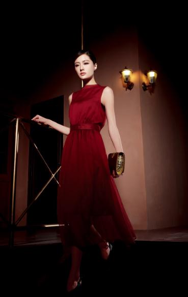 引领都市时尚,纽方NEWFOUND女装为优雅而生,诚邀加盟