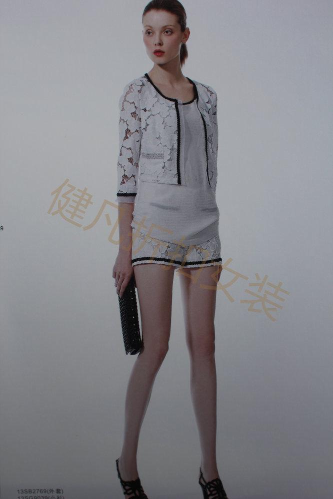 正品降价顶级面料做工精细潮流精品折扣新款女装