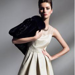 BBLLUUEE时尚艺术女装,2015诚邀您的加盟