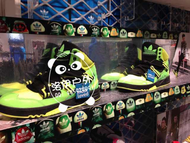 品牌好的adidas三叶草男款休闲鞋批发
