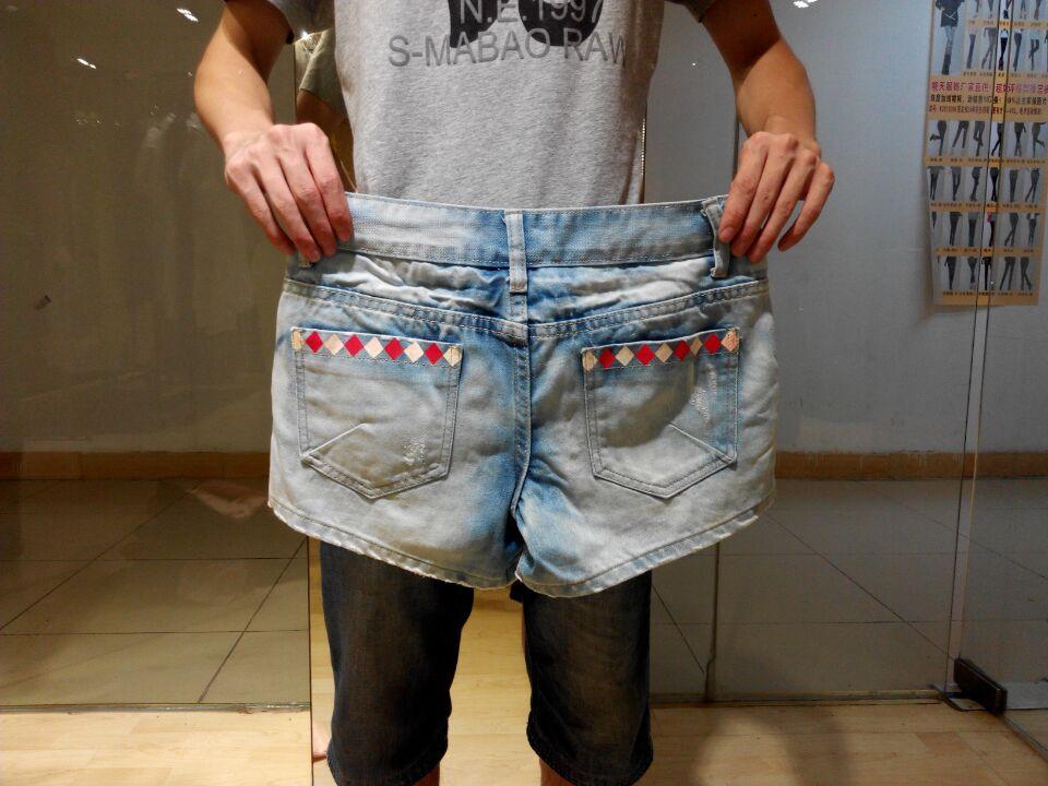 破洞时尚牛仔短裤背带裤低价批发