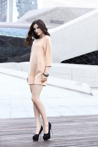 高端女装尾货罗拉费琪欧版品牌女装折扣批发