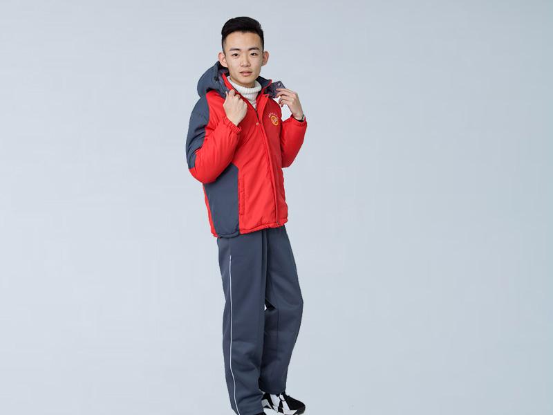 安庆校服定做厂家|首屈一指的校服订做厂家就是华美服装厂