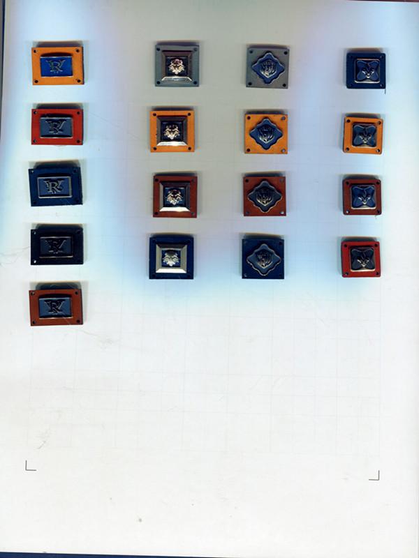泉州优质服饰五金装饰商标哪里买  武汉装饰标厂家